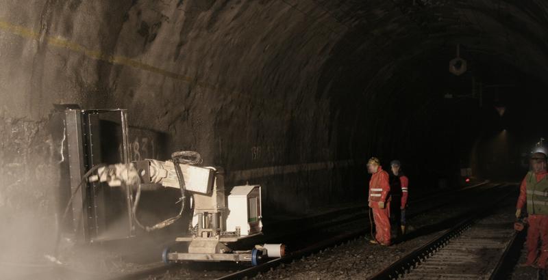 Accordion - Tunnel railway side